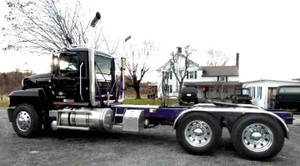 2017 Mack CHU613 Pinnacle Tandem Axle Tractor