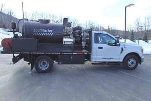 sealcoat truck for sale  sealmaster  asphalt sealcoating equipment