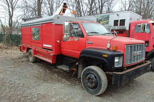 Used 1995 GMC Top Kick LoPro 30ft Bucket Service Truck