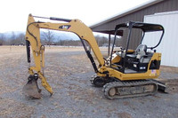 Used 2009 Cat 302.5 mini excavator