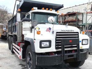 Used 1997 RD688SX R-Model Mack Tandem Dump Truck