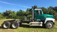1997 Mack CH613 Day Cab Tandem Axle Tractor