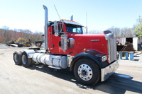 2006 Kenworth W900 Tandem Axle Tractor