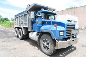 2000 Mack RD688SX double frame 58 rears