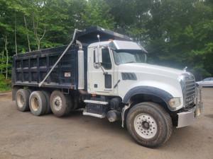 2008 Tri Axle Mack Granite GU713