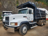 1999 Mack 713 CL Tandem Axle Dump Truck