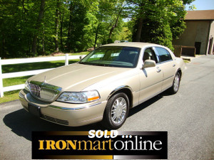 2010 Lincoln Continental, in very good condition.