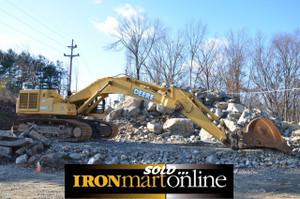 Excavator John Deere 600C LC, in very good condition.