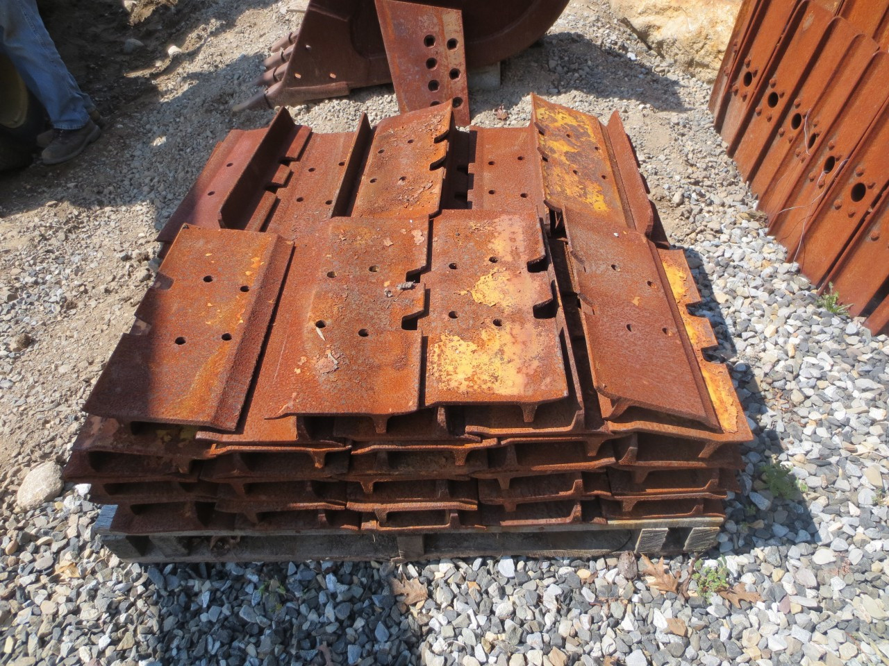 Complete Set of New Pads for Cat D6C