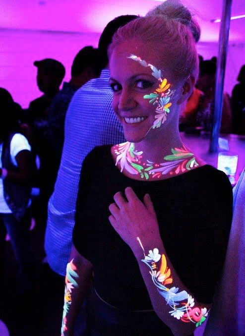 body-paint-uv-color-body-paint-glow.jpg