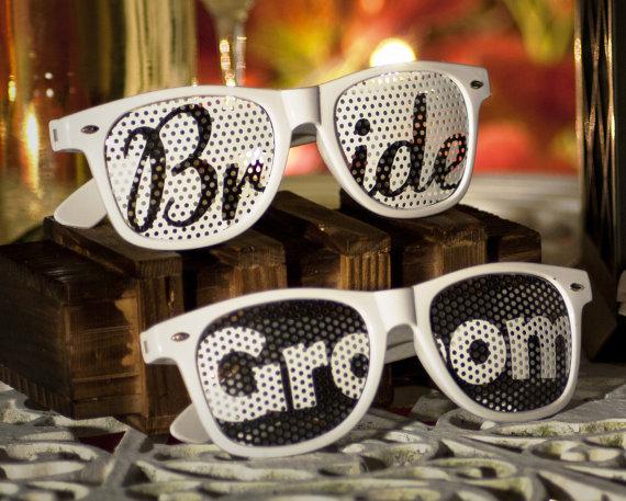 bride-groom-novio-novia-wedding-boda-sunglasses-gafas-lenses-lentes-sun-glasses-party-favors-wedding-glasses-custom-personalized.jpg