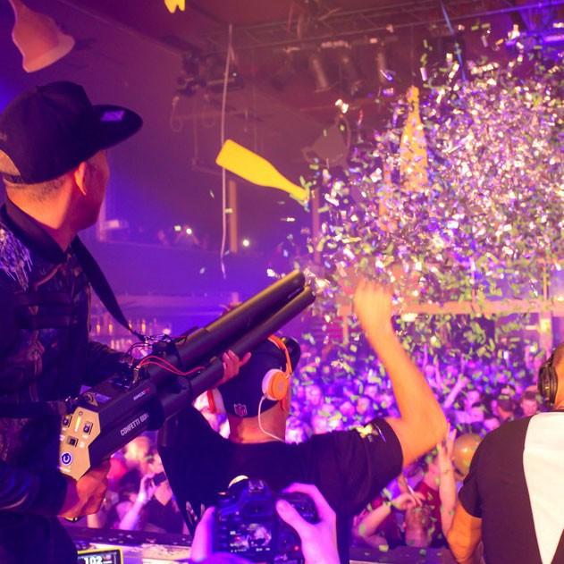 confetti-gun-effect6-confettigun-magifx-confettigun-confetti-confetticannon-confetti-blaster-nightclubsupplies-36815-91025.1406763555.1280.1280.jpg