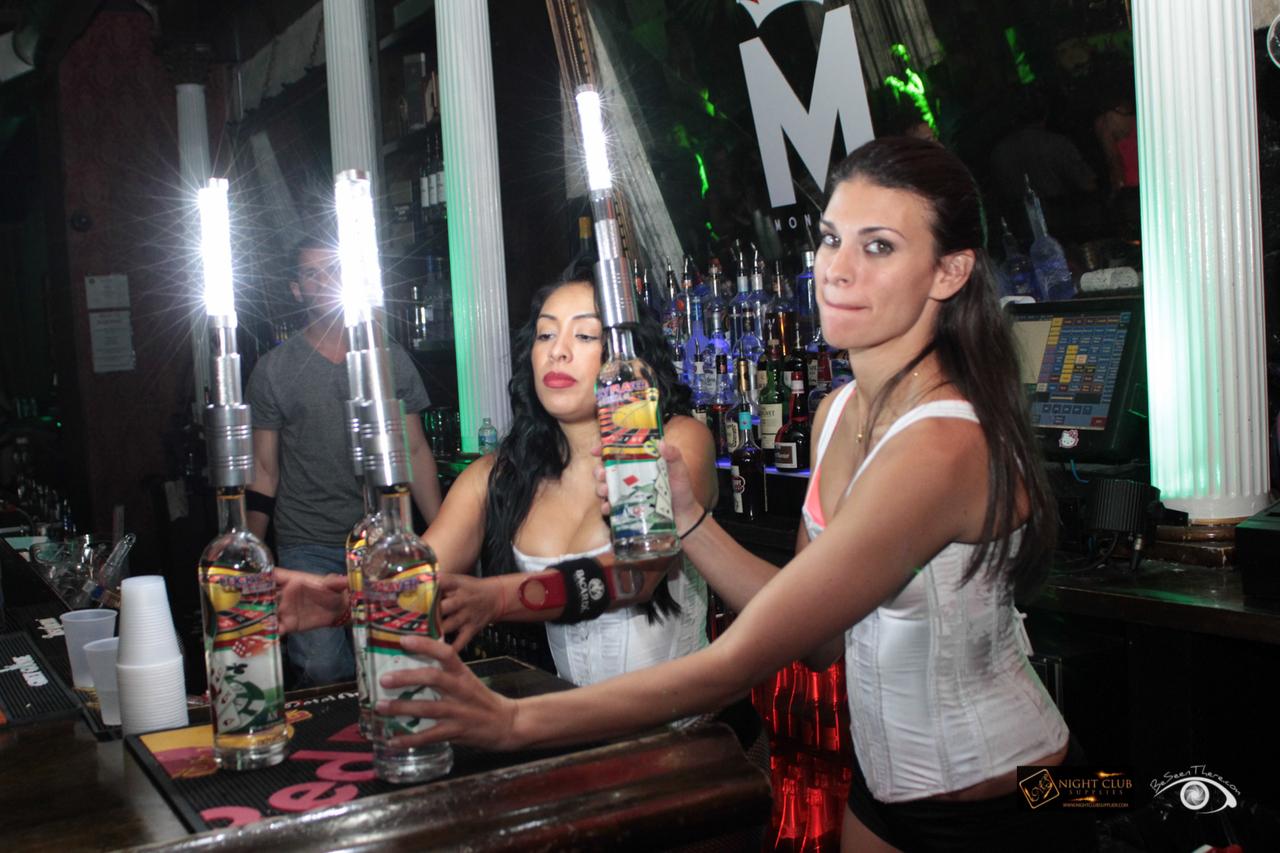 electronic-sparklers-led-sparklers-led-nite-sparx-nite-sparx-bottle-baton-bottle-sparklers-electronic-sparkler-nite-sparx-sparklers-bottle-sparklers-bottle-toppers-bottle-baton-led-bottle-baton-bottle-service-sparklers-44870.1436479438.1280.1280.jpg