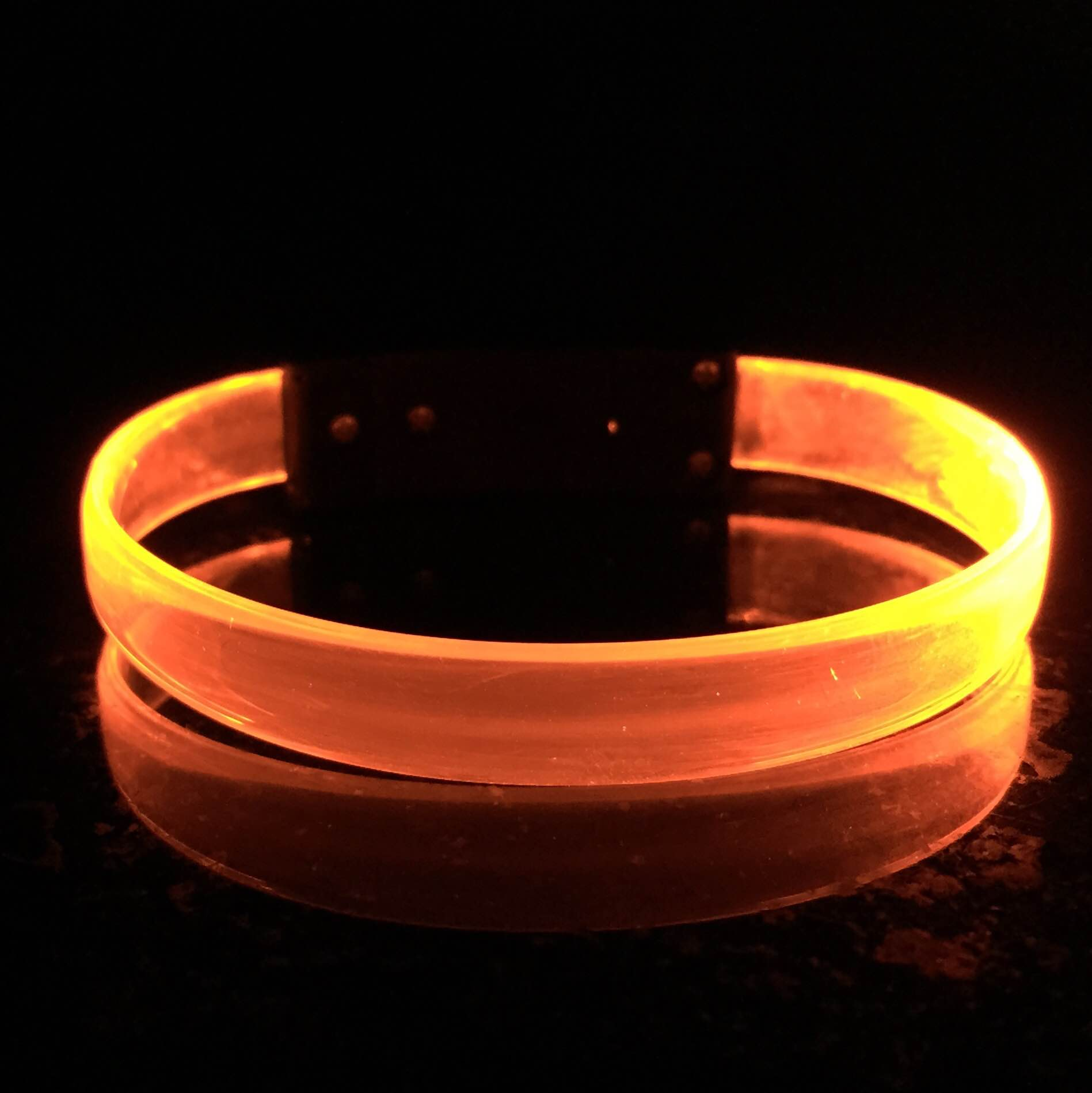 led-wristband-blank-light-up-glow-bracelet-2.jpg
