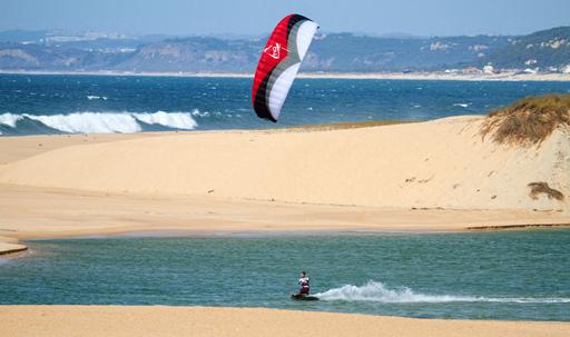 HQ Matrixx Power Kite Cruising in the water