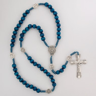 Blue wood beads with silver ox crucifix and center. Silver oxidised  Miraculous Medal. Plastic gift box. Made in Italy