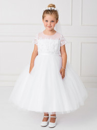 This communion dress has a lovely illusion neckline and sleeves. The bodice of this dress is lace.