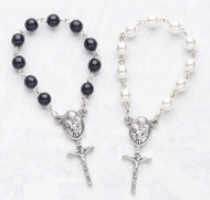 The Perfect Party Favor! Communion one decade rosaries. Black or White. Bulk Pricing available. Will show up when checking out!