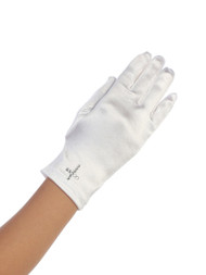White Holy Communion gloves with rhinestone cross. Fits 4-7 or sizes 8-14