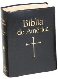 Black Imitation Leather-Biblia de America contains the complete Spanish version of the Bible approved by the Episcopal Conference in Mexico and with the authority of the Episcopal Conferences in Colombia and Chile. The Spanish translation used in Biblia de America has been made from the original texts. Its pastoral character, an important consideration of the translation team of more than 40 leading Scripture scholars, makes it an excellent choice for laypeople, religious, and priests. Biblia de America features ample introductions, useful notes, maps, timelines of events in biblical history, civil history, and the world of literature, and a valuable Bible Dictionary. Bound in a durable Burgundy, Blue, Black cloth cover or Black or Burgundy Imitation Leather ...Esta traduccin aprobada y completa es de los textos originales. Su caracter pastoral hace que sea una seleccion excelente para las personas laicas, religiosas y sacerdotes.
