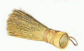 Natural corn broom sprinkler provides quick water refresh rate. 9 inches long.