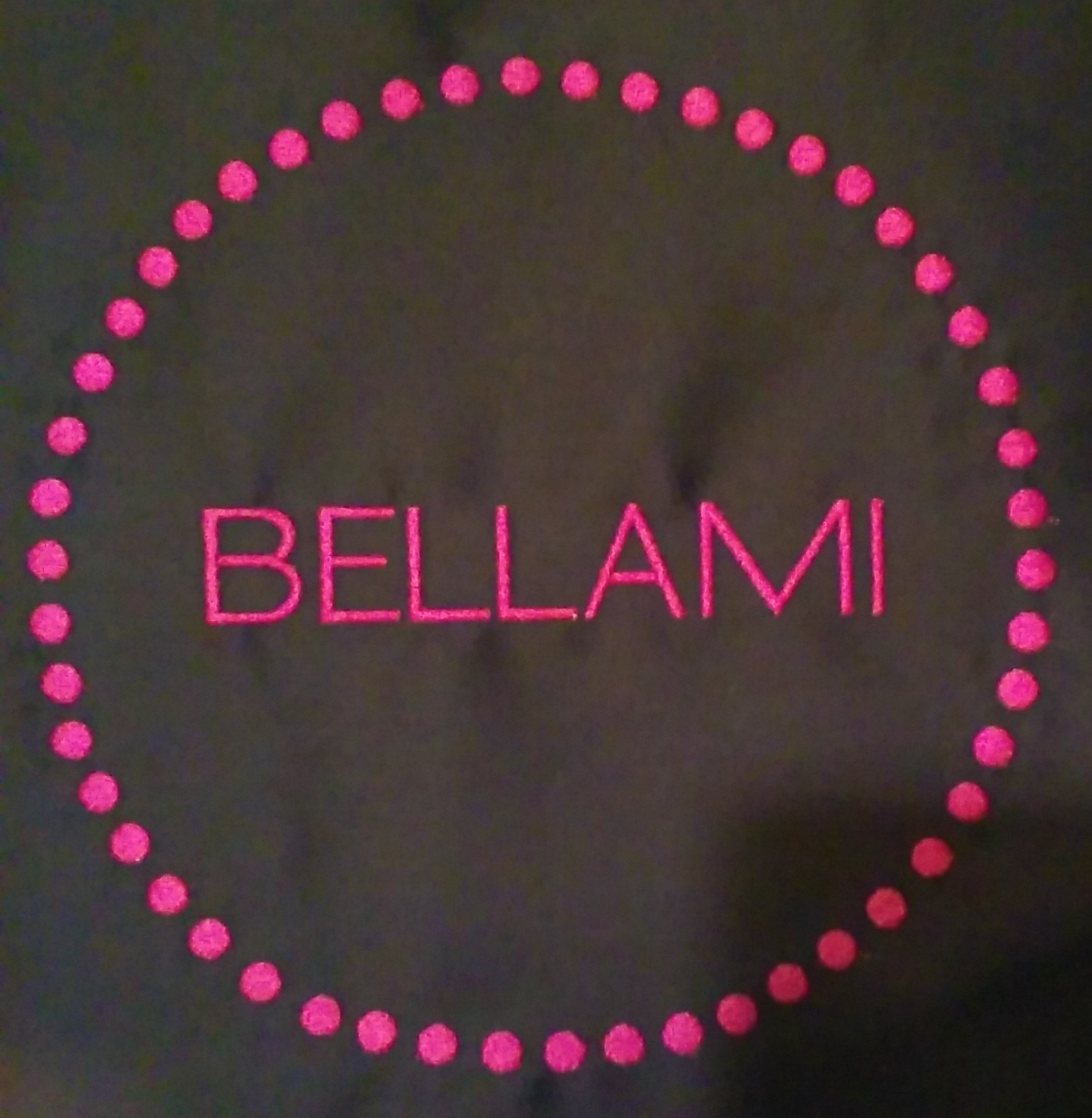 Bellami loves Custom Salon Capes!