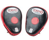 YOKKAO Curved Focus Mitts Black Red