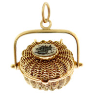 Vintage Nantucket Basket with Scrimshaw 14k Gold Charm
