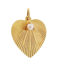 Vintage Pearl Set Engine Turned Heart 14K Gold Charm