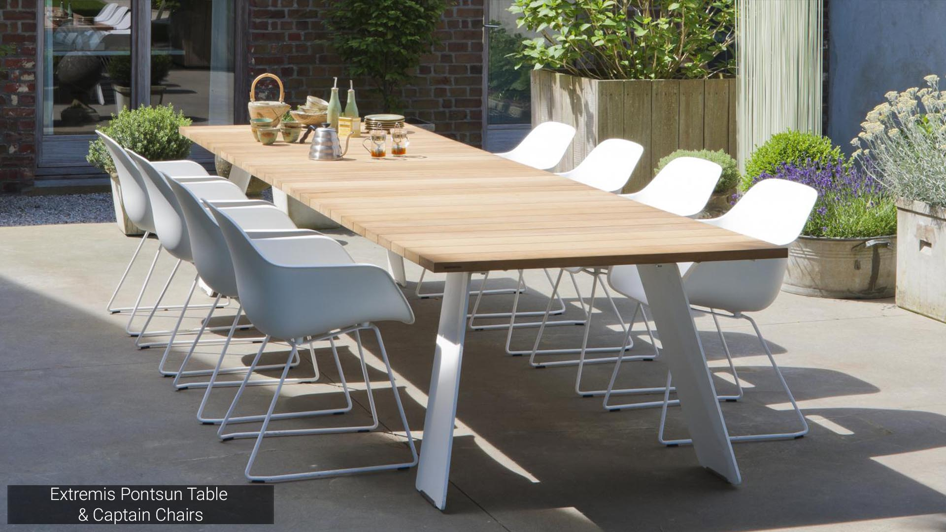 Extremis Pontsun Table & Captain Chairs