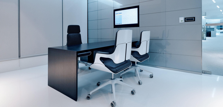Interstuhl Silver Chairs 262S In Situ