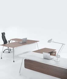 Verco DNA Executive Desk