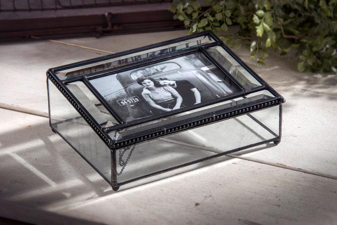 J. Devlin Pbox 354 glass photo box with bevels