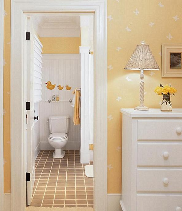 Beadboard Ceiling Bathroom: New England Classic