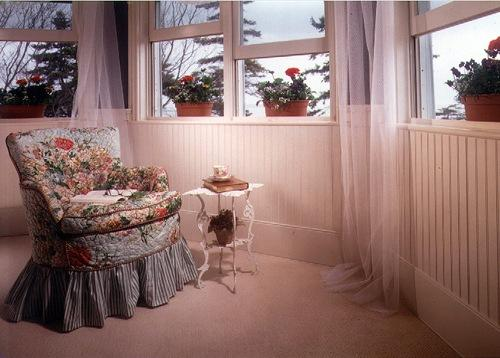 classic-bb-white-bedroom-nook.jpg