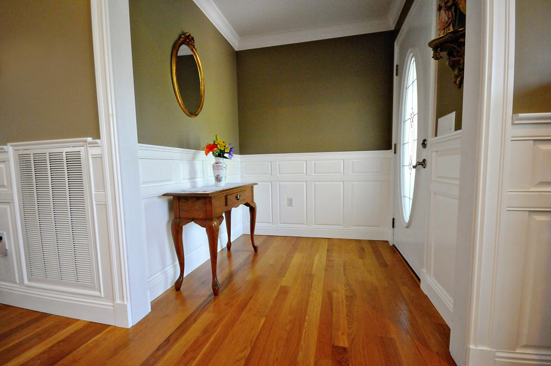 Dress Up Your Dismal Dining Room With Wainscoting Panels