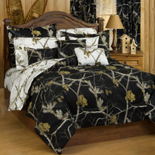 Realtree AP Black & White Comforter and Sham Set - Queen Size