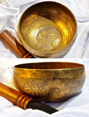 Tibetan Sound Healing Bowls Hand Made Inlaid Mantras - Item: HSH-1329 Features: The Tibetan Sound Bowl produces harmonic and healing sound vibrations, ideal for Chakra Balancing, Personal Well Being and Energy Healing. This hand made bowl is inlaid with Ancient Mantras, also whilst the bowls are being made, chanting occurs throughout the making, enhancing the healing vibrations of the bowl when played. Specifications: Size: 14cm diameter x 7cm depth Material: Hand made with seven metals. Note Produced: A Package Includes: 1x Sound Bowl & 1x Striker Please note: As these singing bowls are hand-crafted they may have slight variations in measurements and slight imperfections. Shipping: Australian registered post.